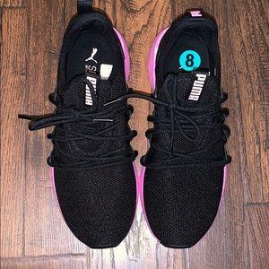 PUMA BLACK & PINK SNEAKERS